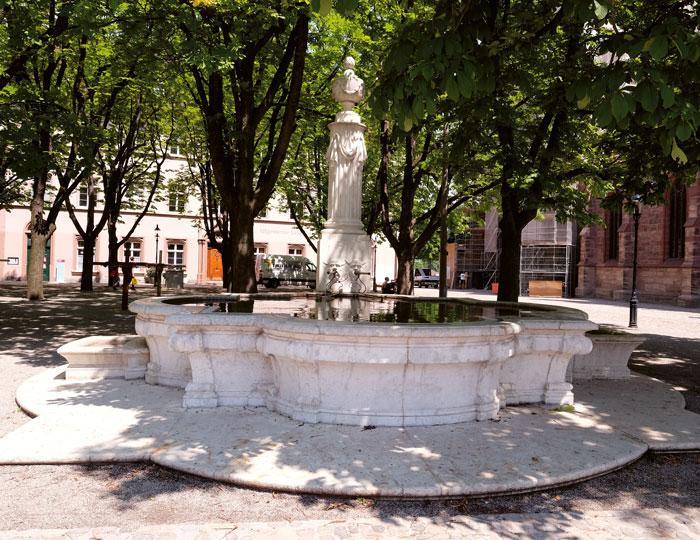 Pisoni-Brunnen auf dem Münsterplatz