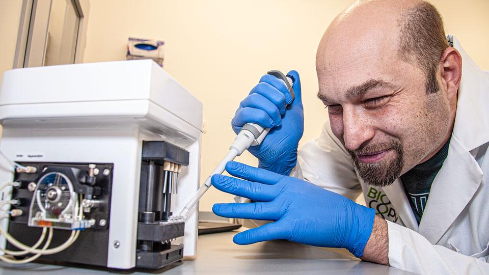 Günter Roth im Labor
