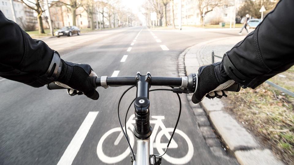 Fahrradfahrer auf Straße