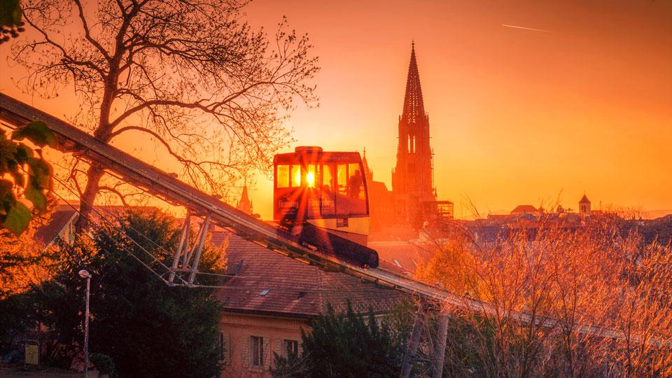 Freiburg Schlossbergbahn und das Freiburger Münster