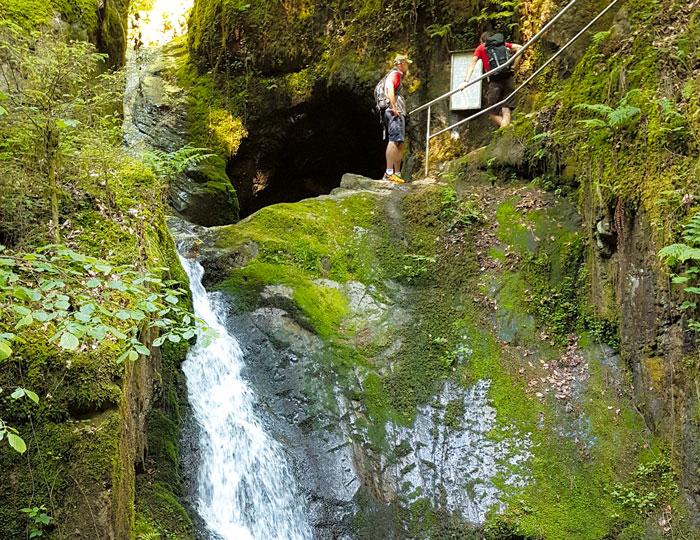 Gottschlaegtal mit Wasserfall