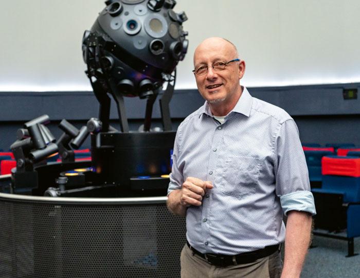Thomas Presper Leiter des Planetariums Freiburg