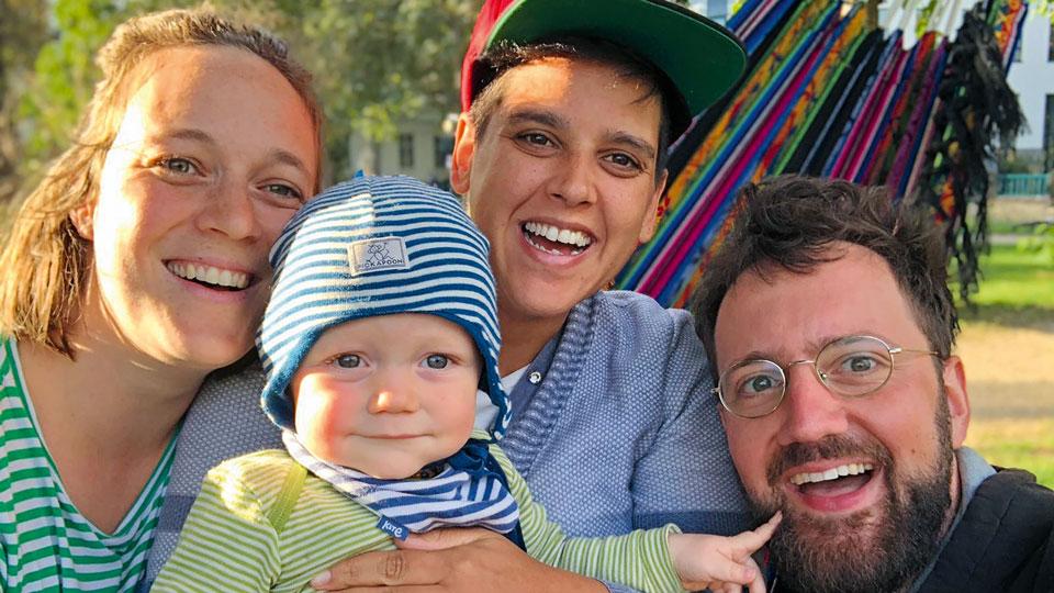 Regenbogenfamilie Elisa, Jeser, Gerusa und Rudolf