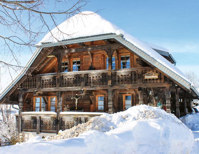 Schwarzwaldhaus Schnee
