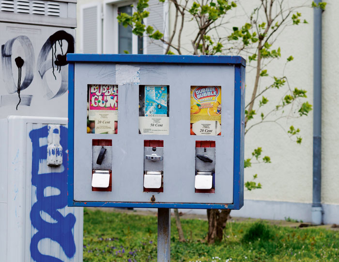 Blauer Kaugummiautomat
