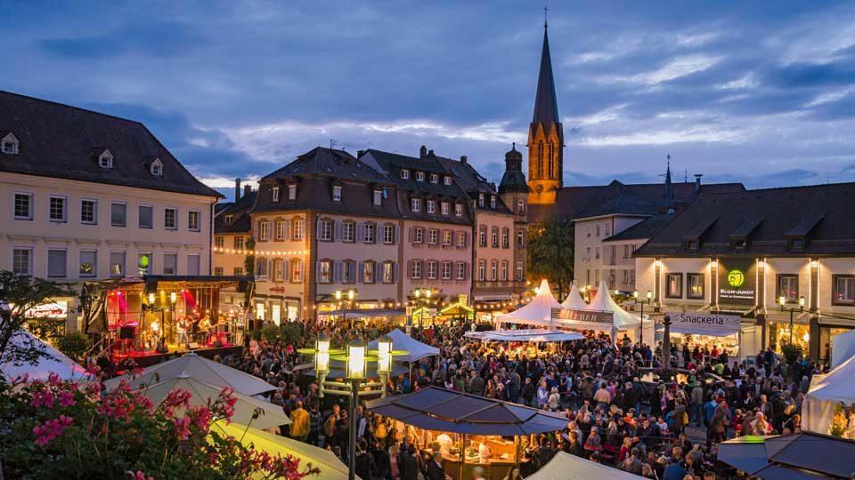 weinfest_Ansicht-Marktplatz-Martin-Ziaja